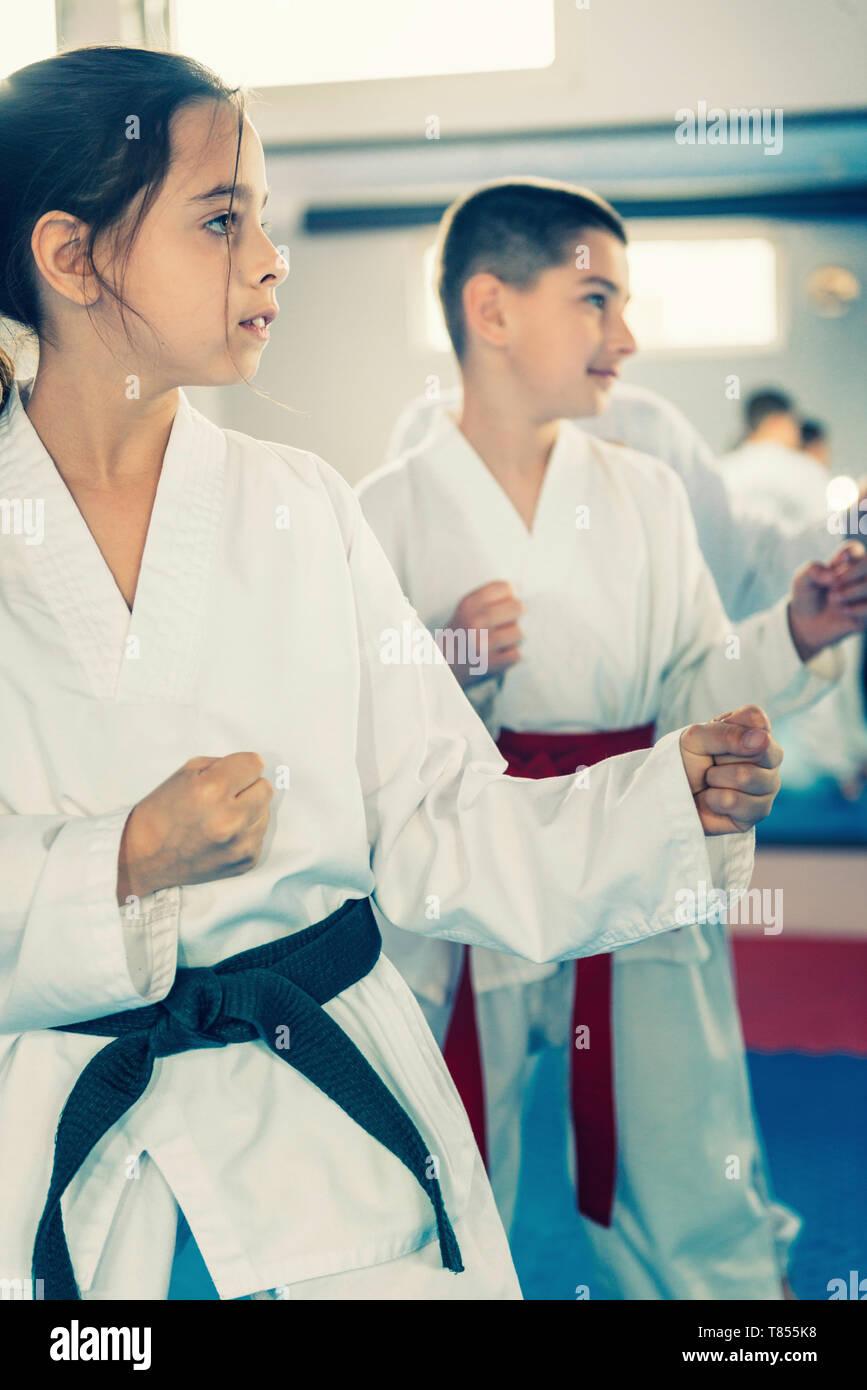 Children in taekwondo class - Stock Image