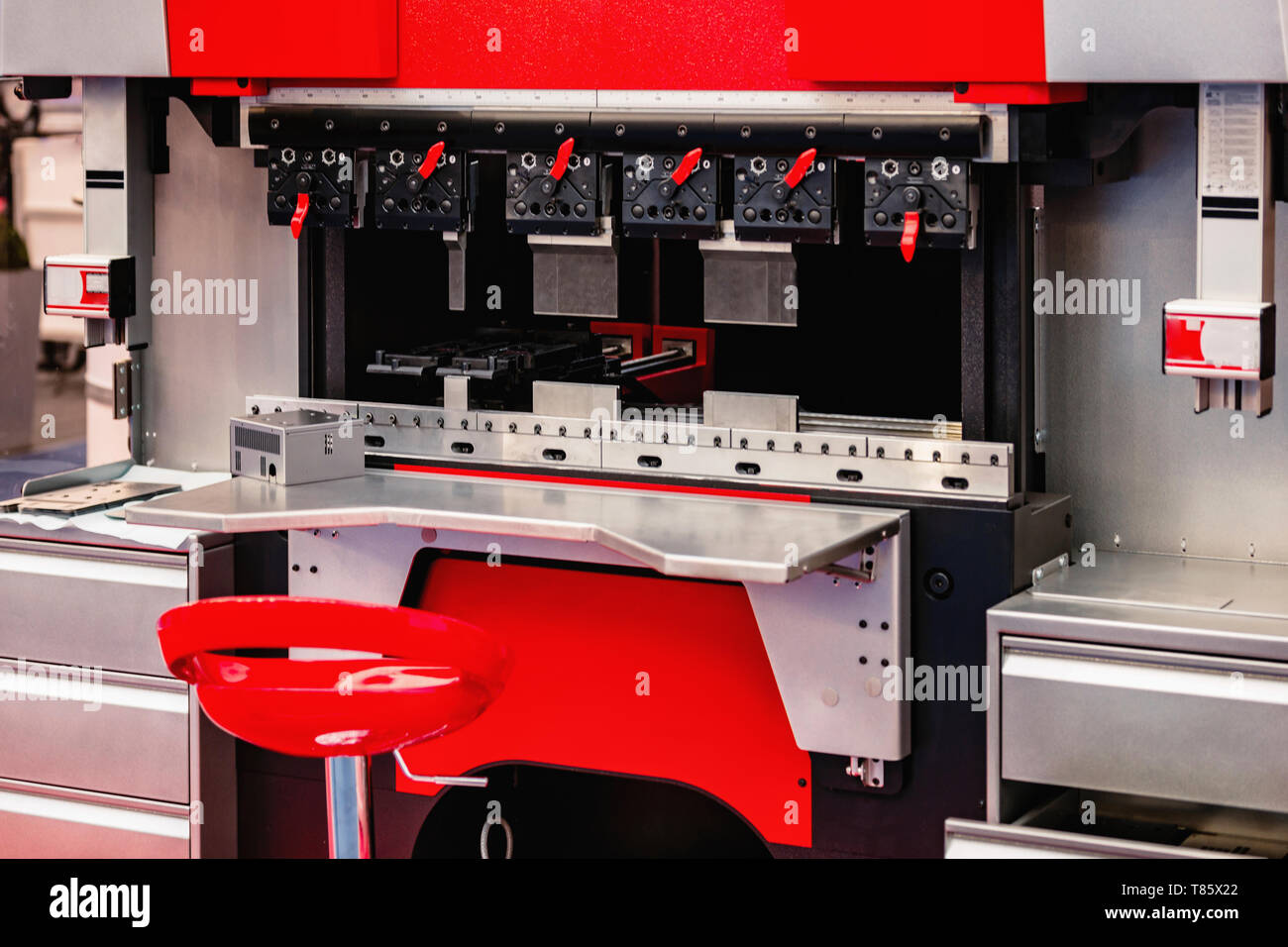 Ergonomic press brake - Stock Image