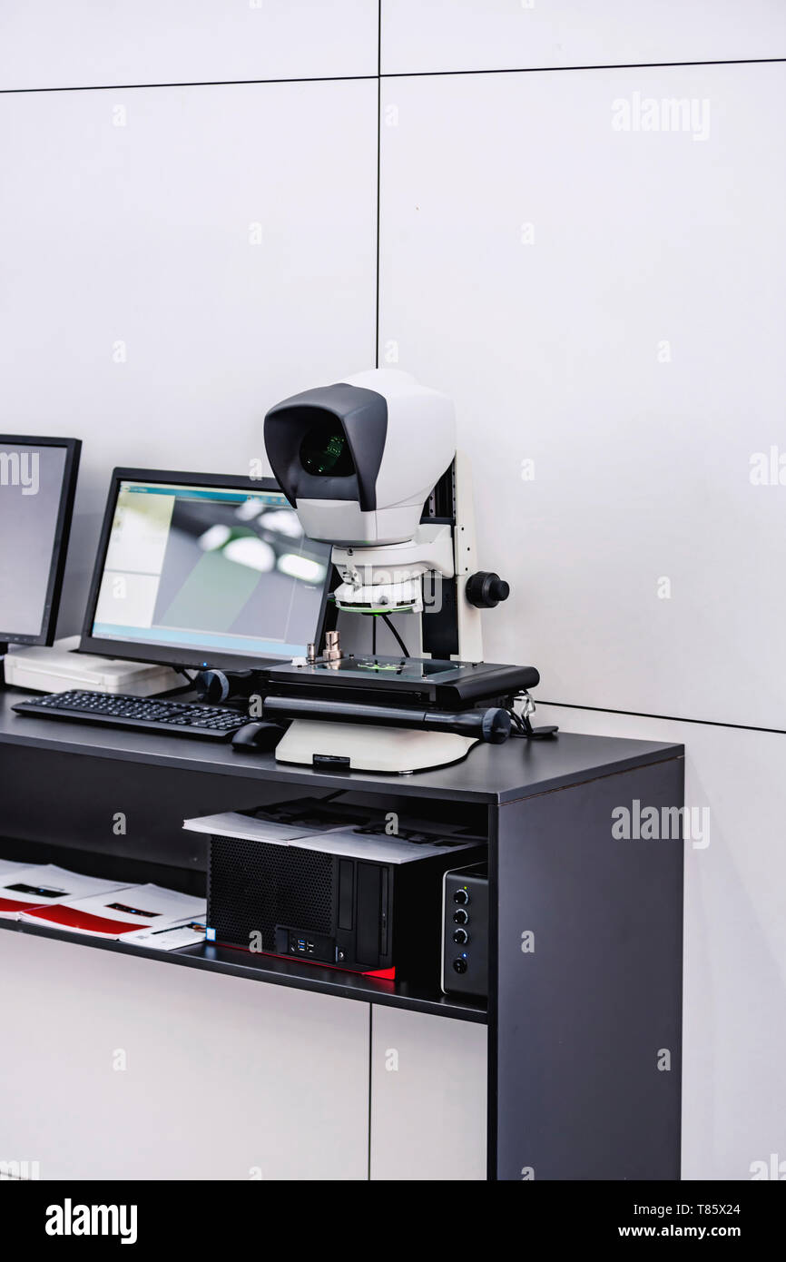 Dual optical video measuring system - Stock Image