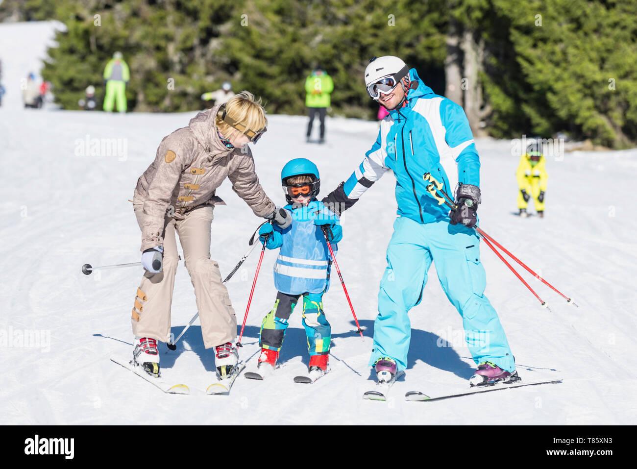Family skiing - Stock Image