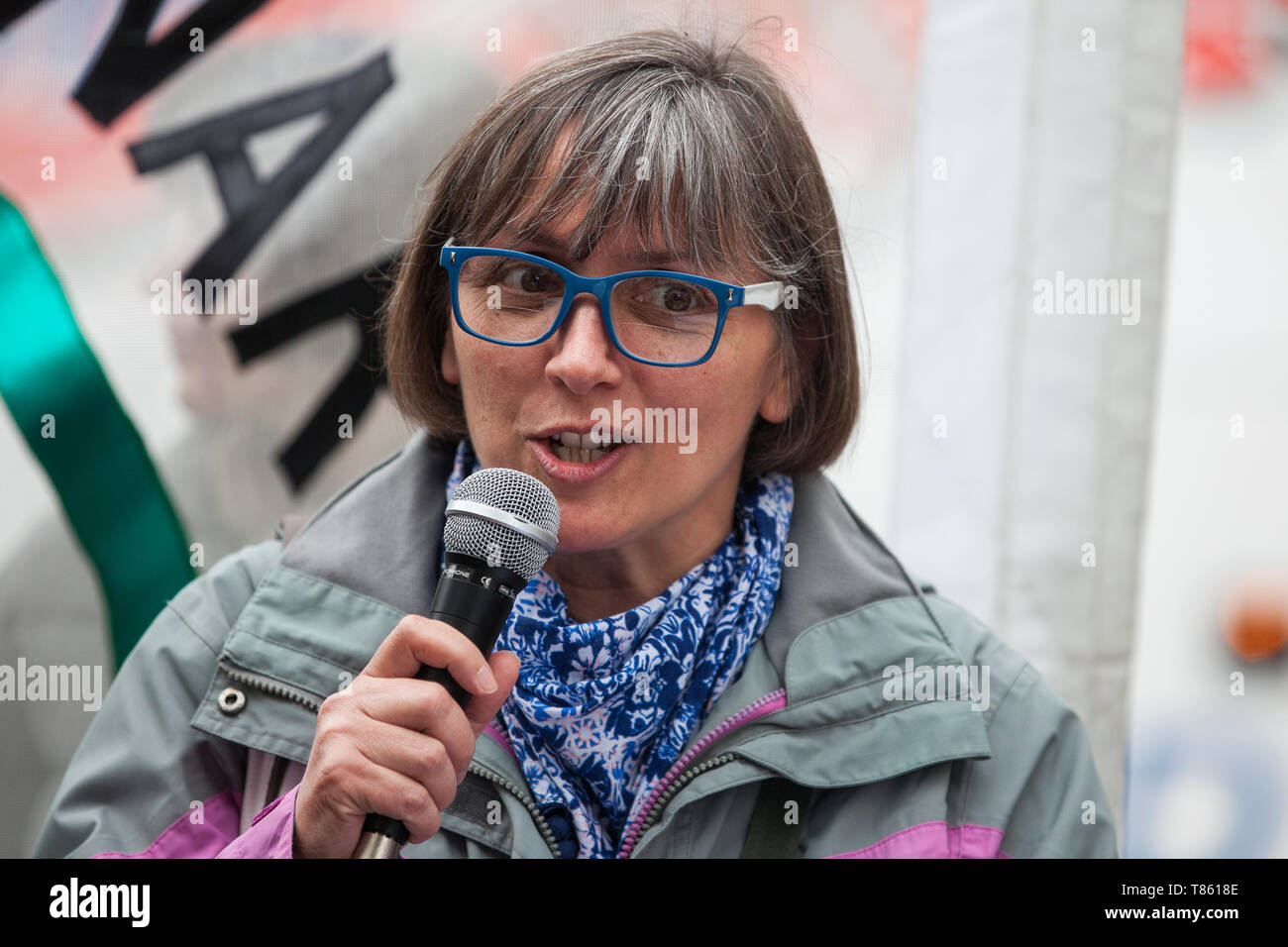 London, UK. 3 May, 2019. Theresa Alessandro, Director of Pax Christi, addresses campaigners from the Campaign for Nuclear Disarmament (CND), Stop the  - Stock Image