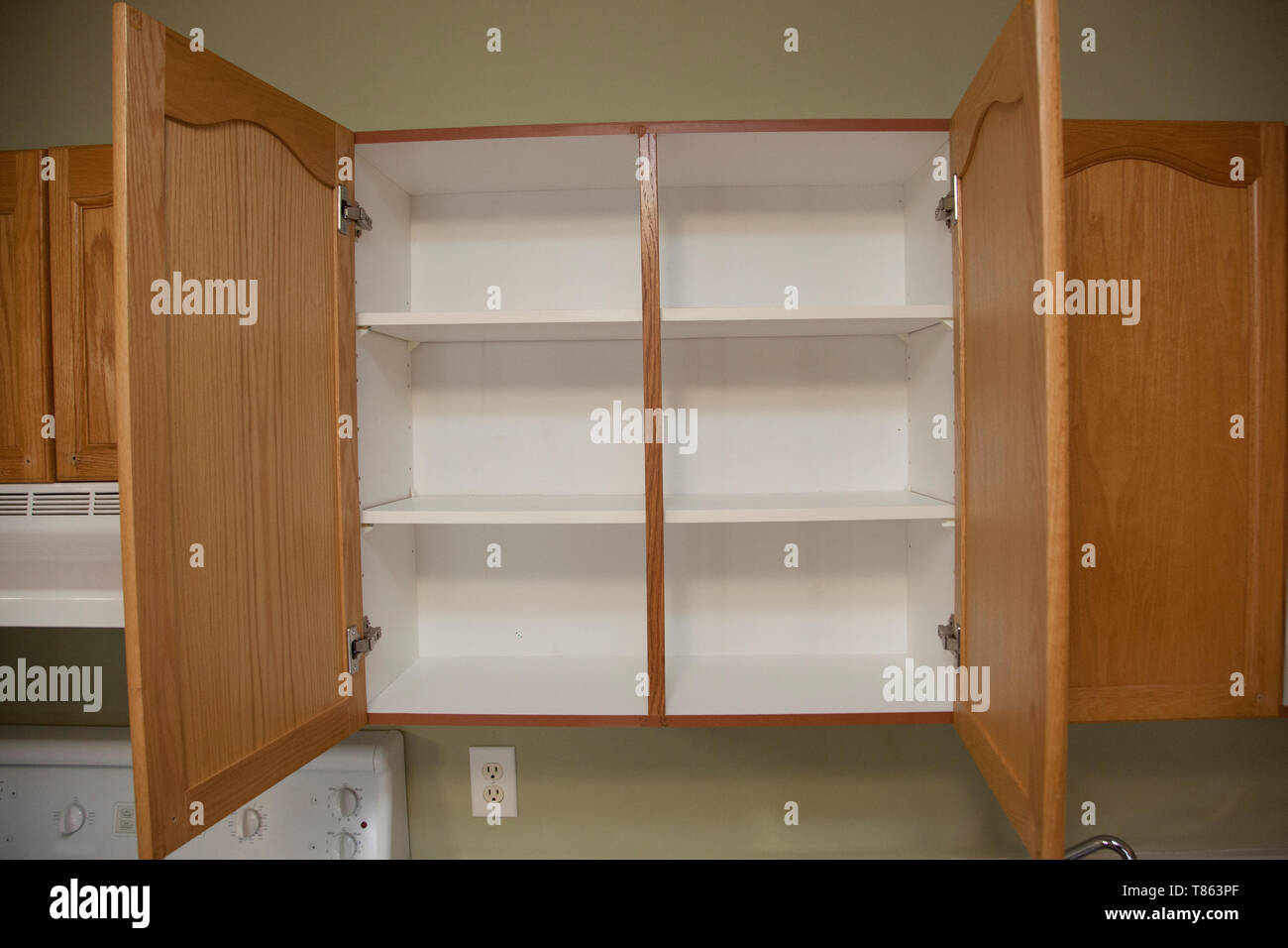 Kitchen Cupboard And Empty High Resolution Stock Photography And Images Alamy