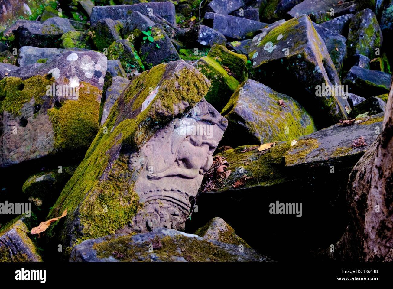 fef17b91a71e4 Cambodia, Preah Vihear province, temple complex of Koh Ker, dated 9 to 12