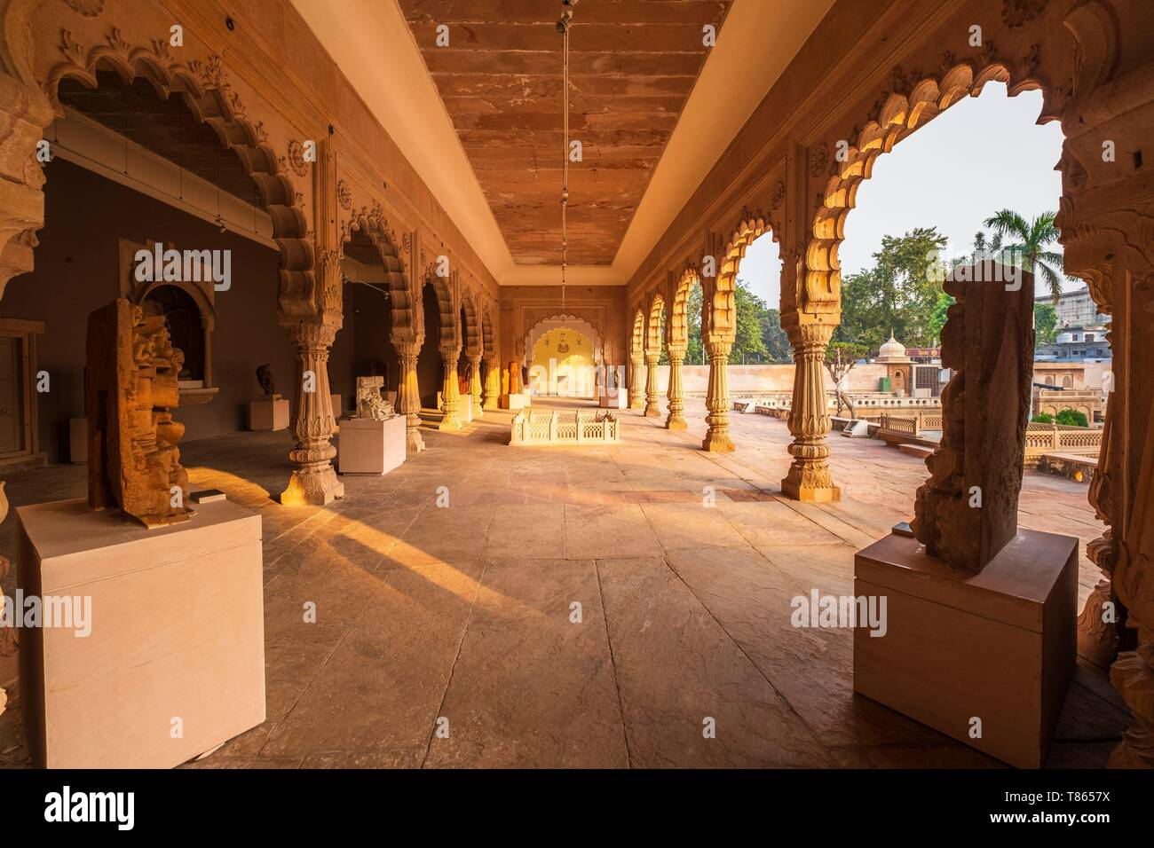 India, Rajasthan, Bharatpur, Government Museum in the former Maharaja's palace - Stock Image