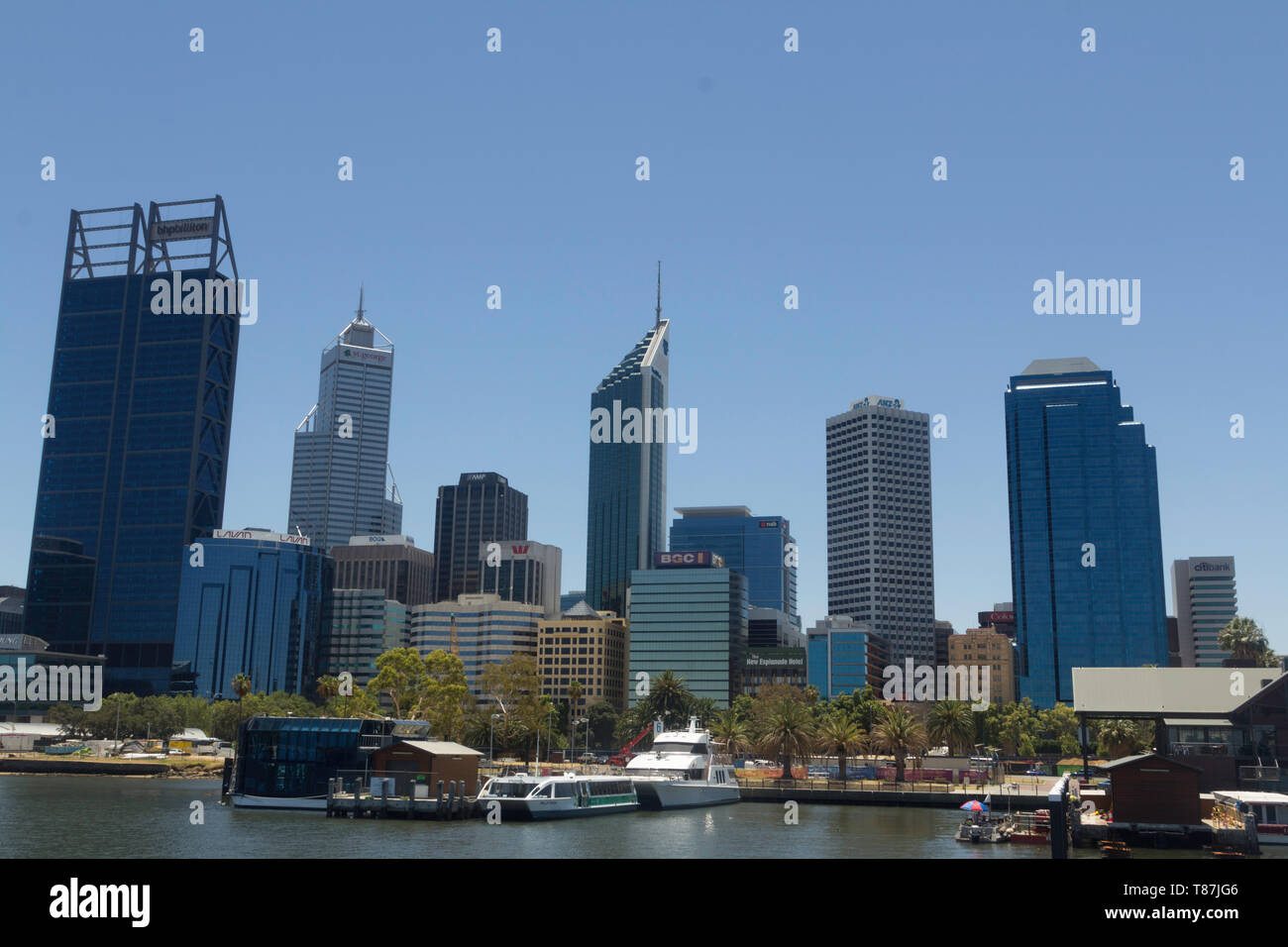 Perth, Western Australia, Australia - 21/01//2013 :Swan River,View of the financial area, offices and commercial buildings and skyscrapers of the cit - Stock Image