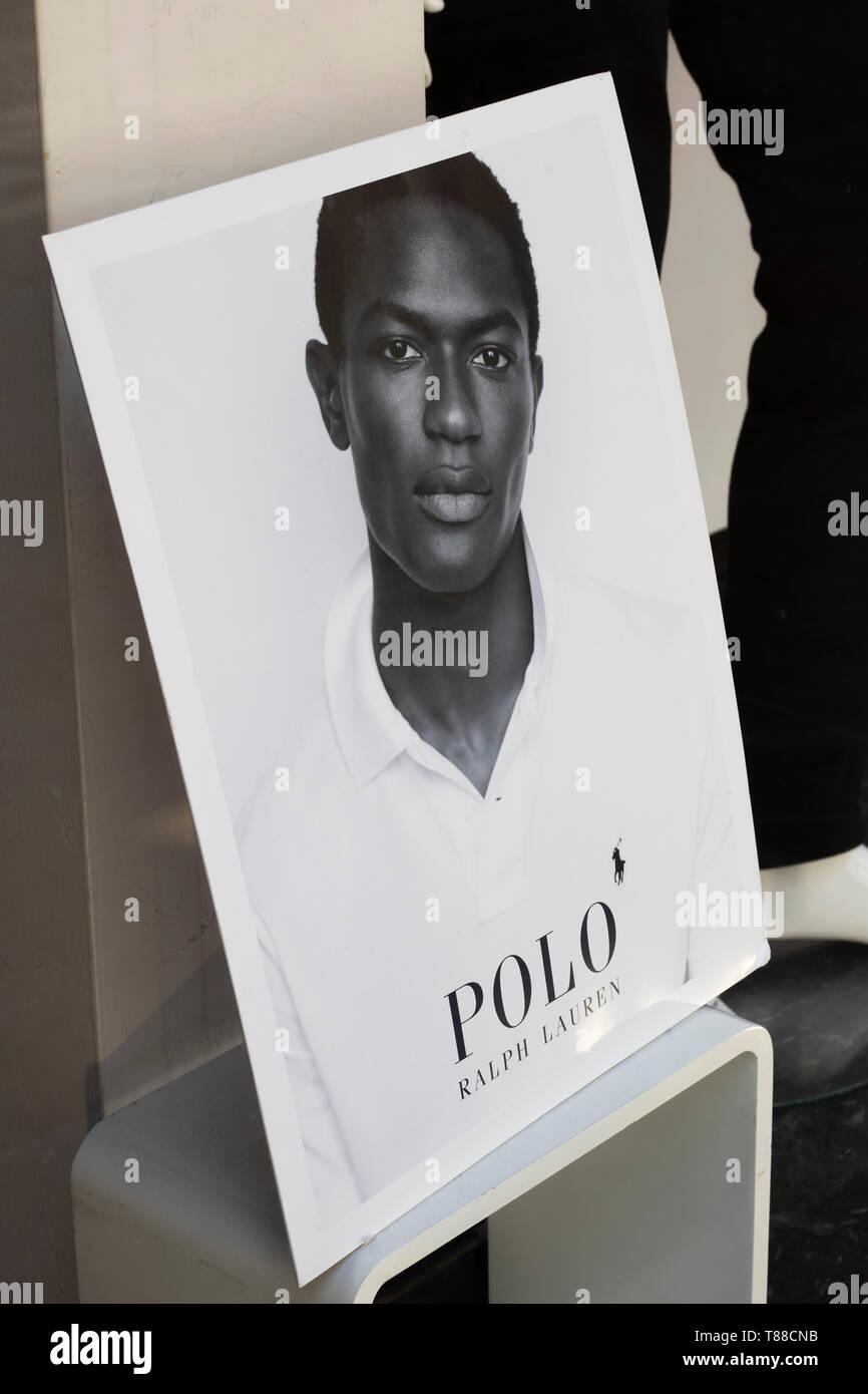 feea7d9e Ralph Lauren polo shirt advertisement in clothing retailer shop window -  Stock Image