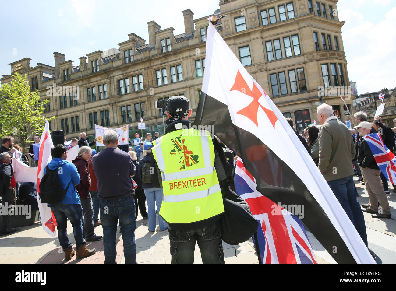 """Manchester, UK. 11th May 2019. Around 150 pro Brexit campaigners attending """"March for Democracy"""" with speakers and a rally in Cathedral Gardens,  Manchester, UK, 11th may, 2019 (C)Barbara Cook/Alamy Live News Credit: Barbara Cook/Alamy Live News Stock Photo"""