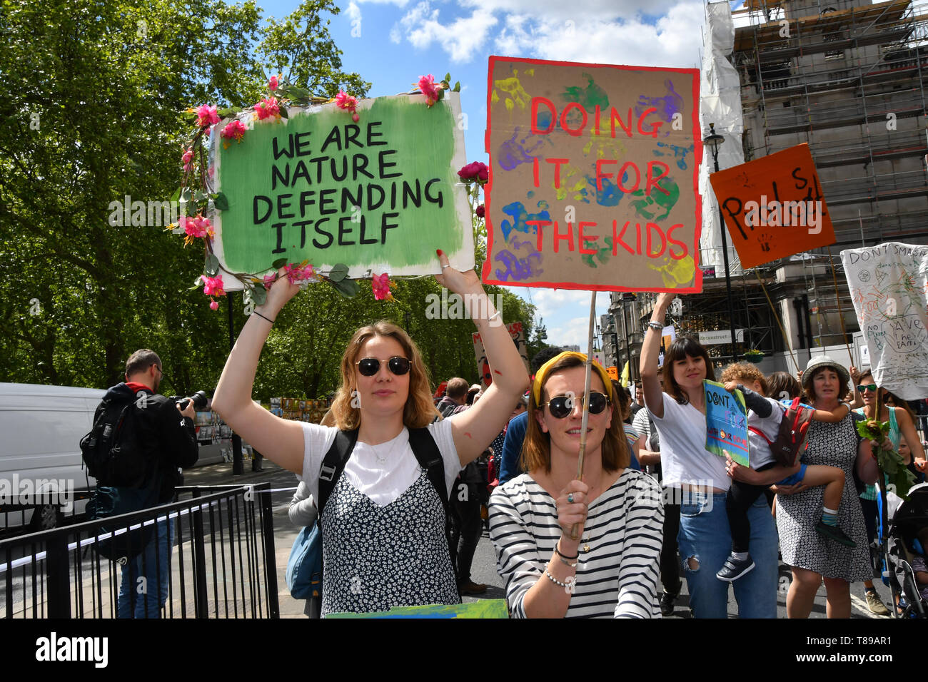 London, UK. 12th May, 2019. Thousands join Mothers rise up host a Mothers Climate March 2019 in Central London, on 12 May 2019, London, UK Credit: Picture Capital/Alamy Live News - Stock Image