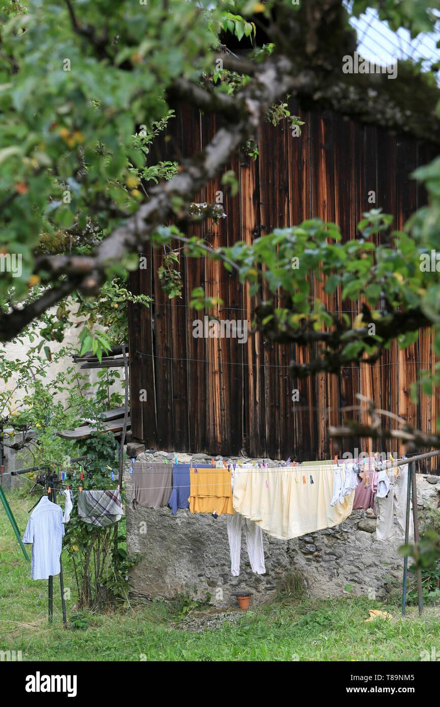 Séchage de vêtement au grand air. Stock Photo