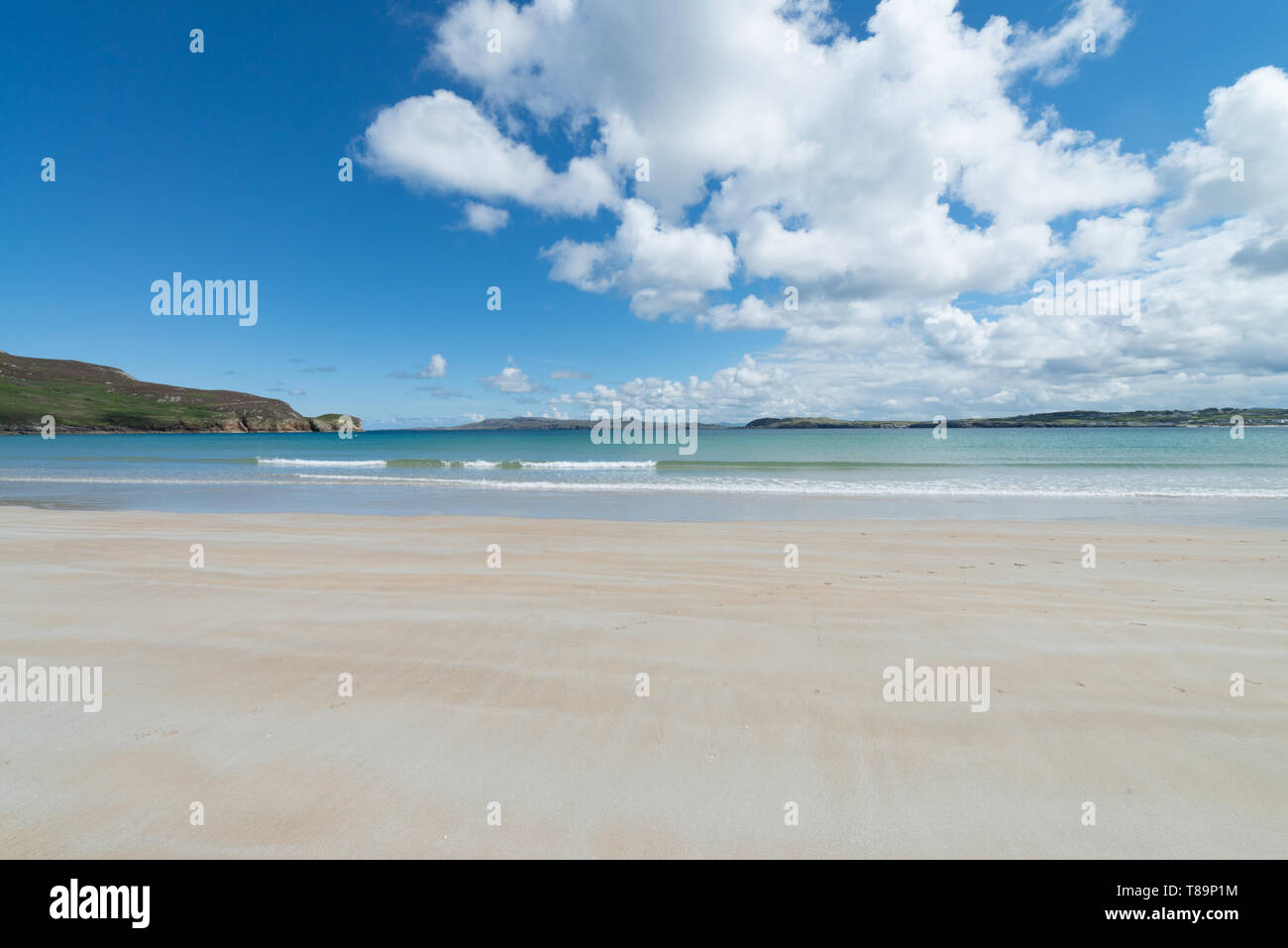 Killahoey Beach at Dunfanaghy Bay at low tide, Donegal, Ireland - Stock Image