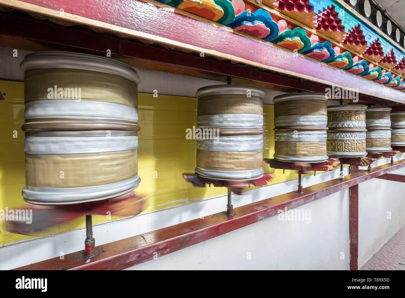 India, Jammu and Kashmir State, Himalaya, Ladakh, Indus valley,Leh (3500m), régional capital, prayer wheels of the Buddhist temple of Gompa Soma (Chokhang) - Stock Image
