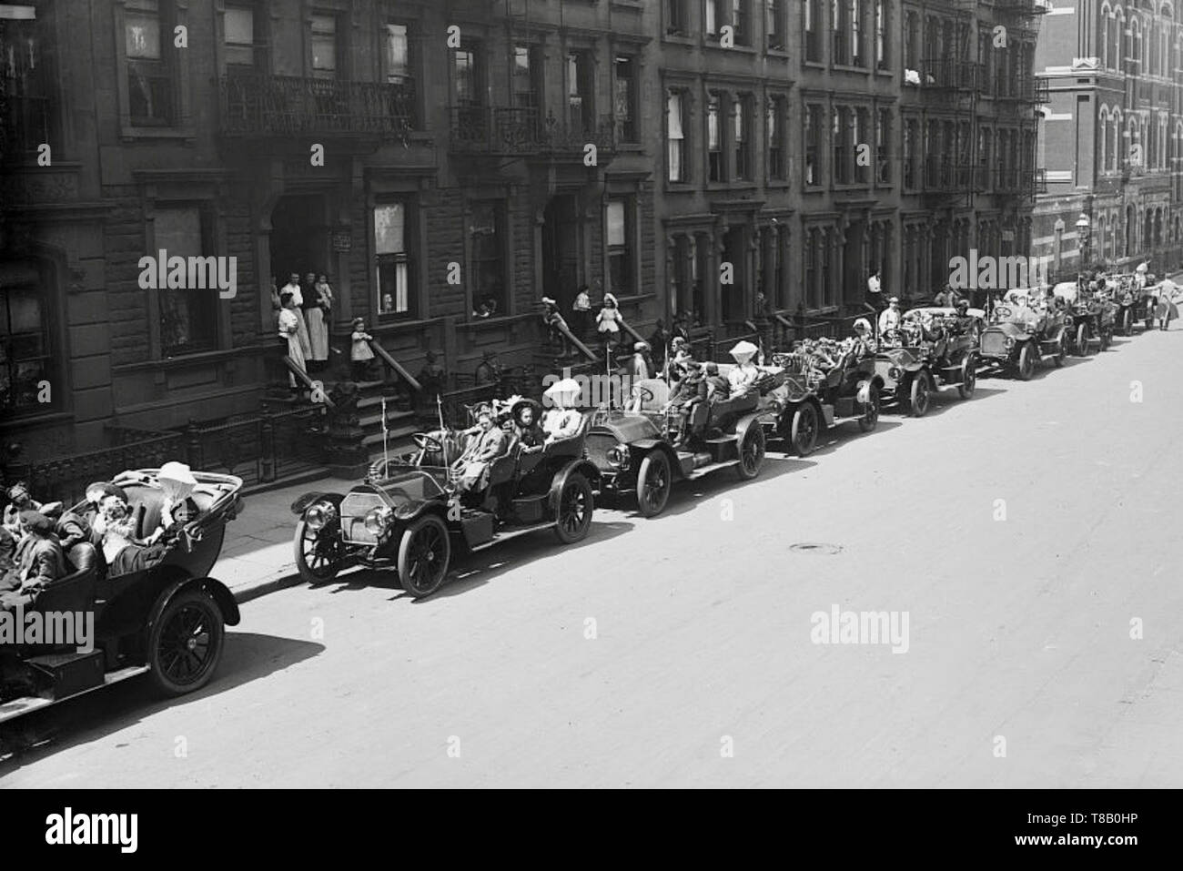 Auto rides for crippled children, New York 25 May 1908. - Stock Image