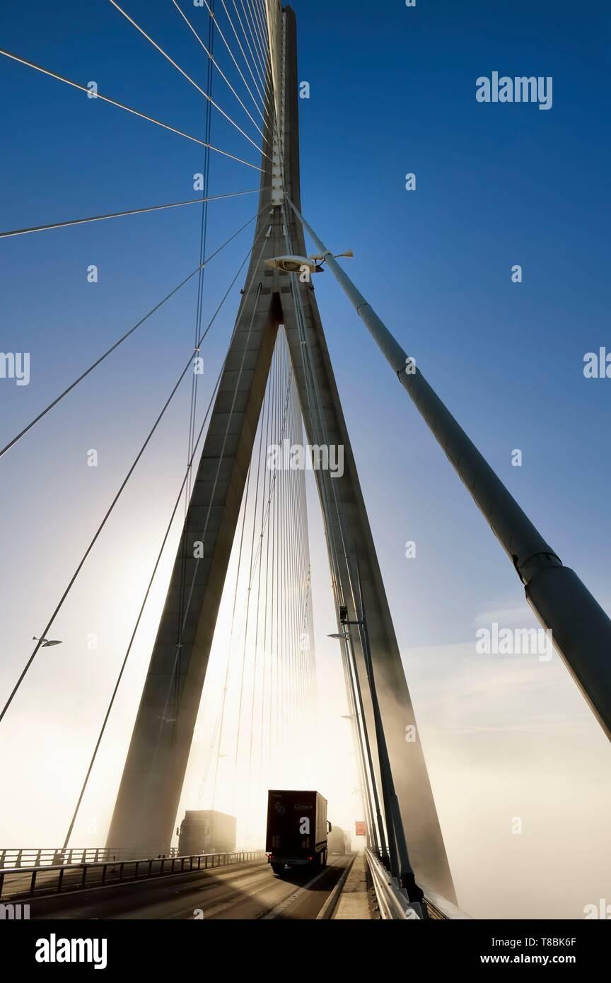 France, between Calvados and Seine Maritime, the Pont de Normandie (Normandy Bridge) spans the Seine - Stock Image