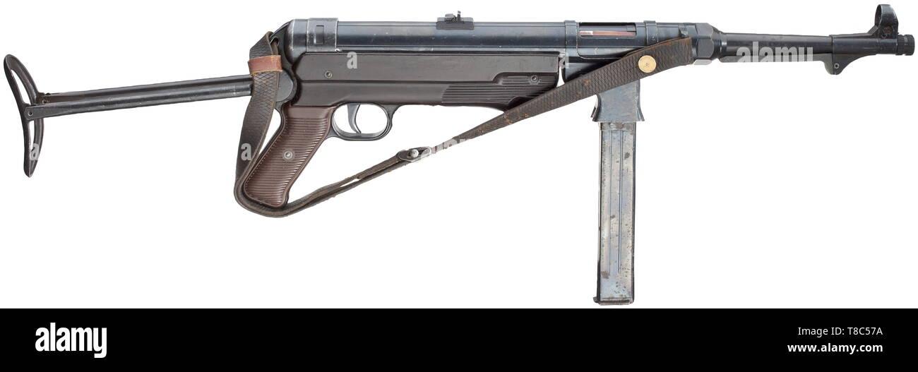 Submachine Gun Stock Photos & Submachine Gun Stock Images
