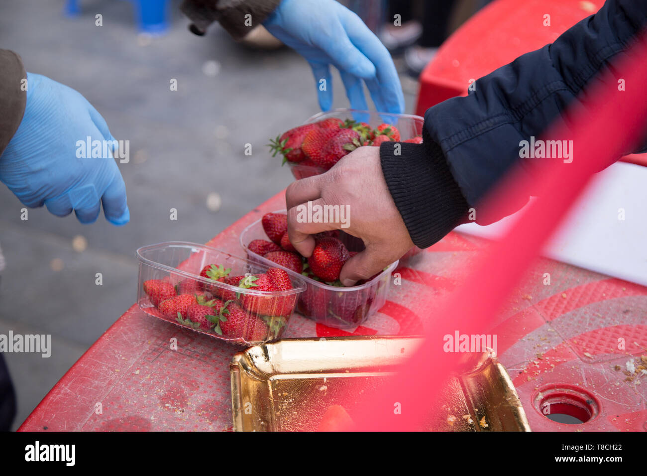Roma, Italy. 11th May, 2019. A project organized by the Eco dalle Città association with the sponsorship of the I municipality to the new Esquilino market in Rome Credit: Matteo Nardone/Pacific Press/Alamy Live News - Stock Image
