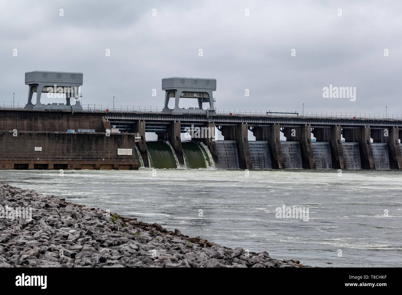 Just below Kentucky Dam on the Tennessee River seeing the overflow of Kentucky Lake in Livingston County, KY - Stock Image