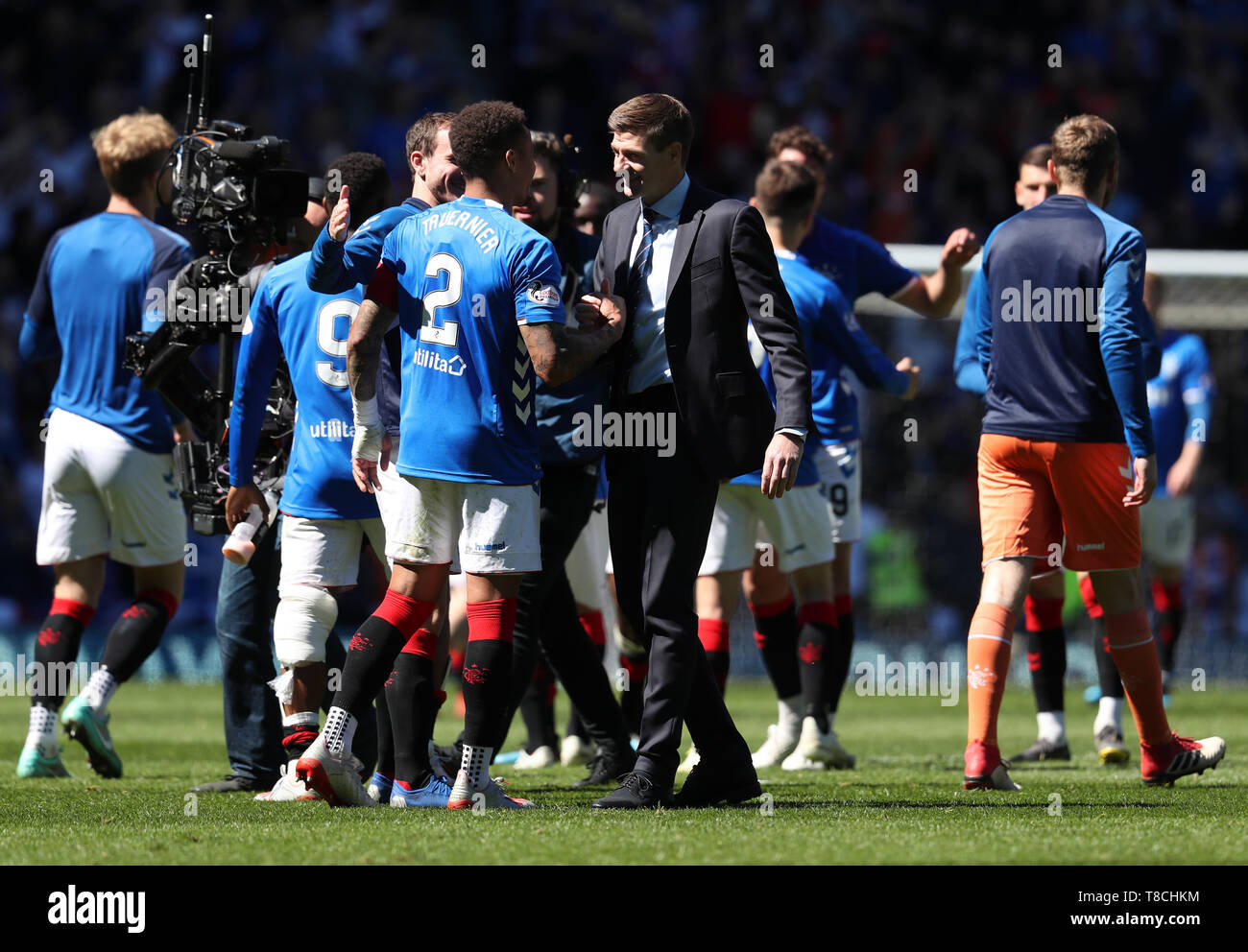 e121c461e Rangers manager Steven Gerrard with players at full time after the  Ladbrokes Scottish Premiership match at