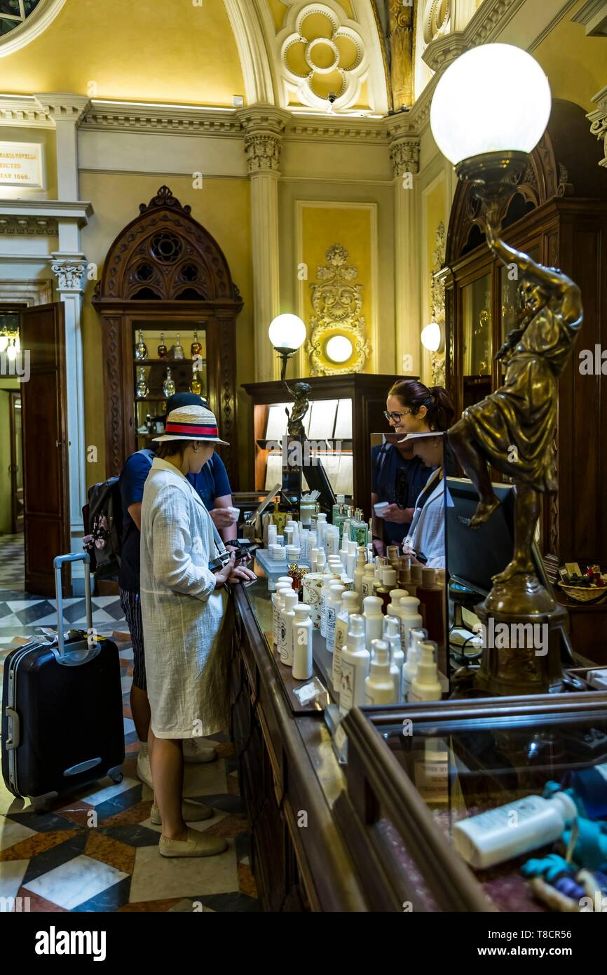 Italy, Tuscany, Florence, historic centre listed as World Heritage by UNESCO, Officina profumo, farmaceutica di Santa Maria Novella, old Italian apothecary pharmacy turned perfume and body care - Stock Image