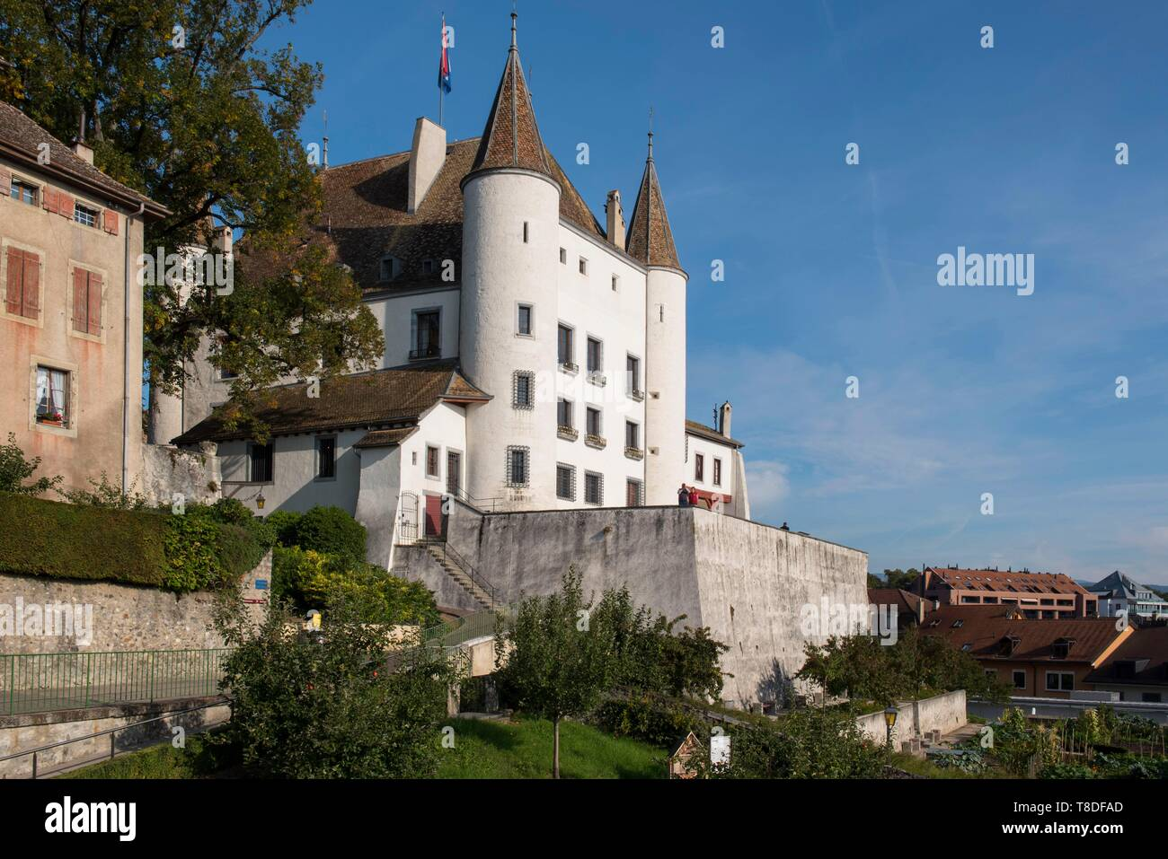 Switzerland, Canton of Vaud, Nyon, the castle and gardens dominate the city - Stock Image