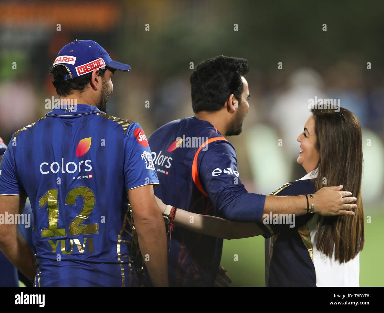 Hyderabad, India, 12th May 2019: IPL 2019 Final Match  : MI owner Nita Ambani celebrates with Zahir and Yuvi  during  Final  Match of IPL in Hyderabad - Stock Image