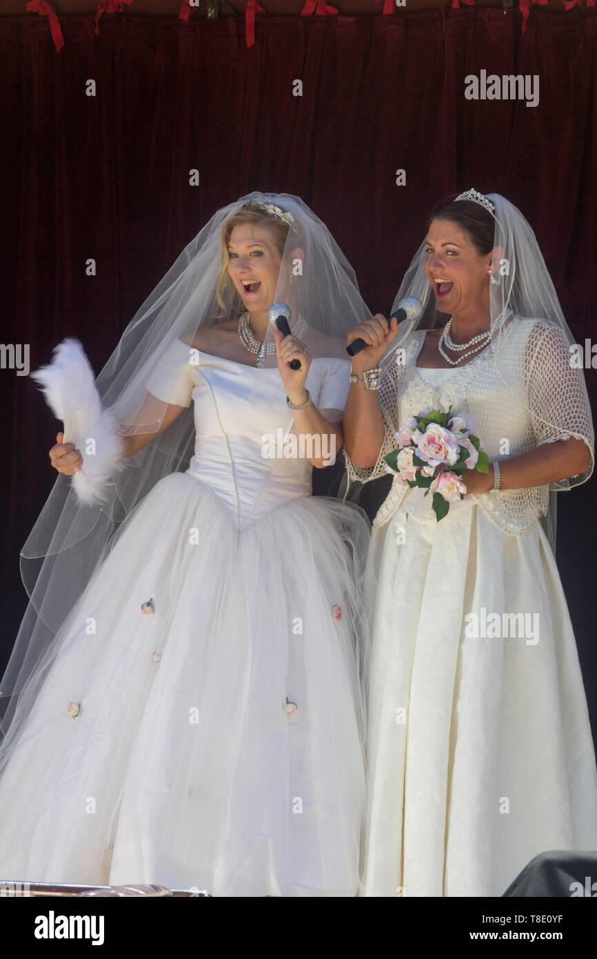 Perth Western Australia Australia 20 01 2013 Actresses Doing A Performance Wearing A Wedding Dresses In Fringe World Festival 2013 Stock Photo Alamy
