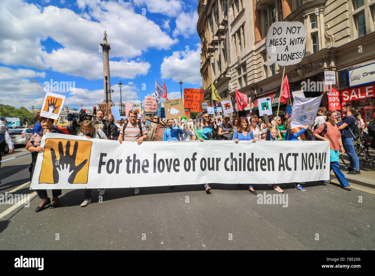 """London, UK. 12th May, 2019. Thousands of parents, accompanied with children  and their families marched  in central London to demand urgent action to tackle climate change after British health secretary Matt Hancock named """"dirty air"""" as the """"largest environmental risk to public health in the UK"""" and warned of a growing national health emergency triggered by the """"slow and deadly poison"""" of air pollution. Credit: amer ghazzal/Alamy Live News - Stock Image"""