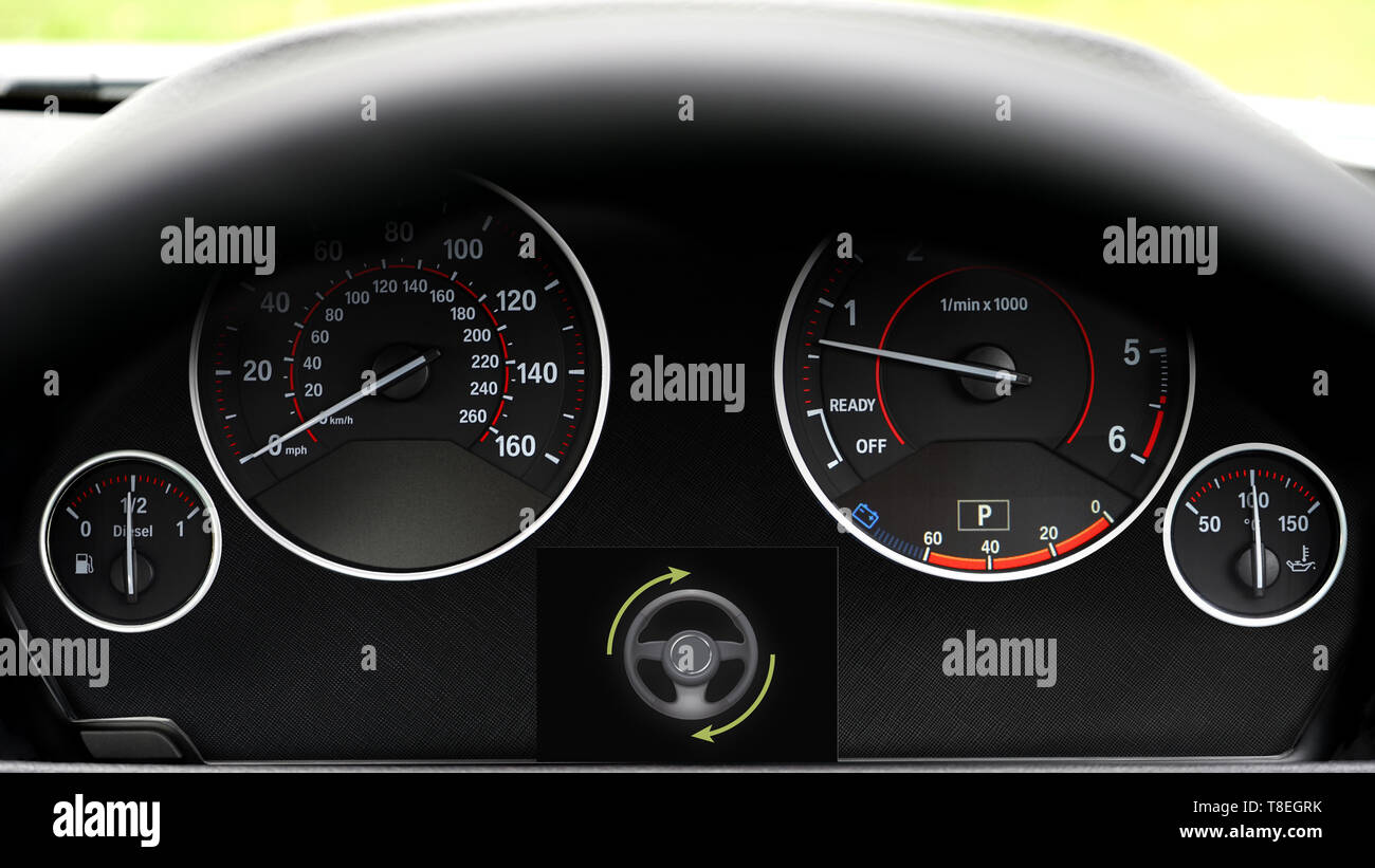 Autopilot Stock Photos & Autopilot Stock Images - Alamy