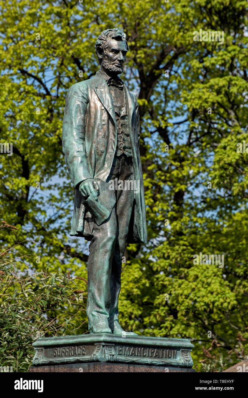Statue of Abraham Lincoln by George Bissell on the memorial to Scottish American soldiers who fought in the American Civil War. Stock Photo