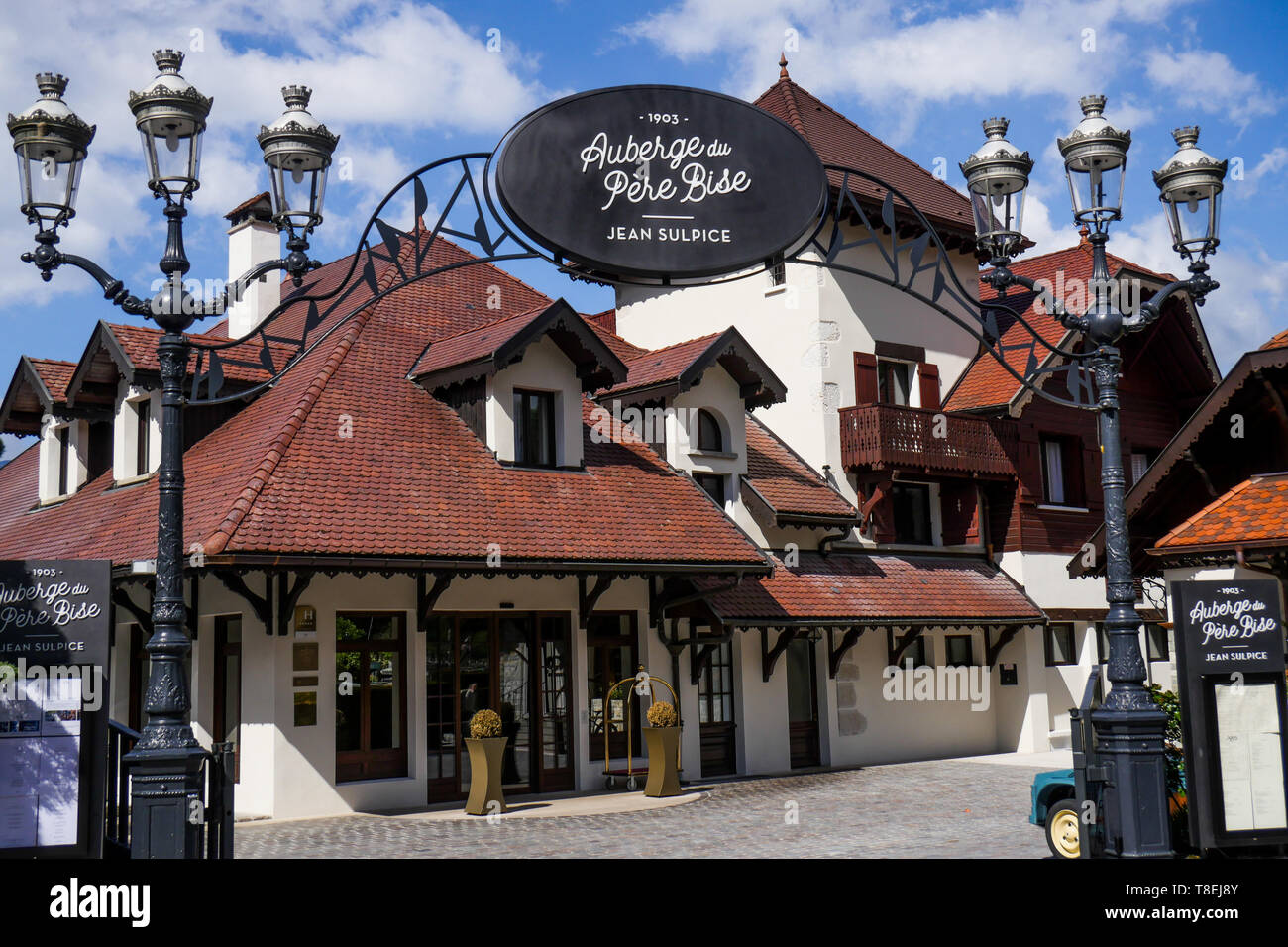 Auberge du Père Bise, Two Stars renowned restaurant in Talloire, Annecy Lake, Haute-Savoie, France - Stock Image