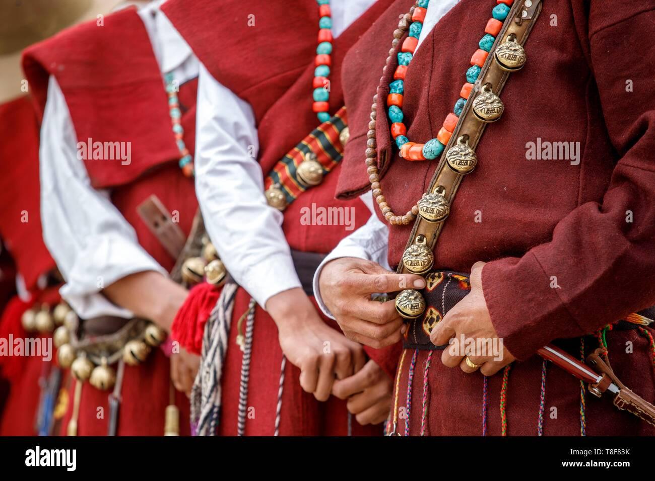 India, state of Jammu and Kashmir, Himalaya, Ladakh, Indus valley, Leh, annual Ladakh Festival, men of a cultural troupe of Gya - Meru region - Stock Image