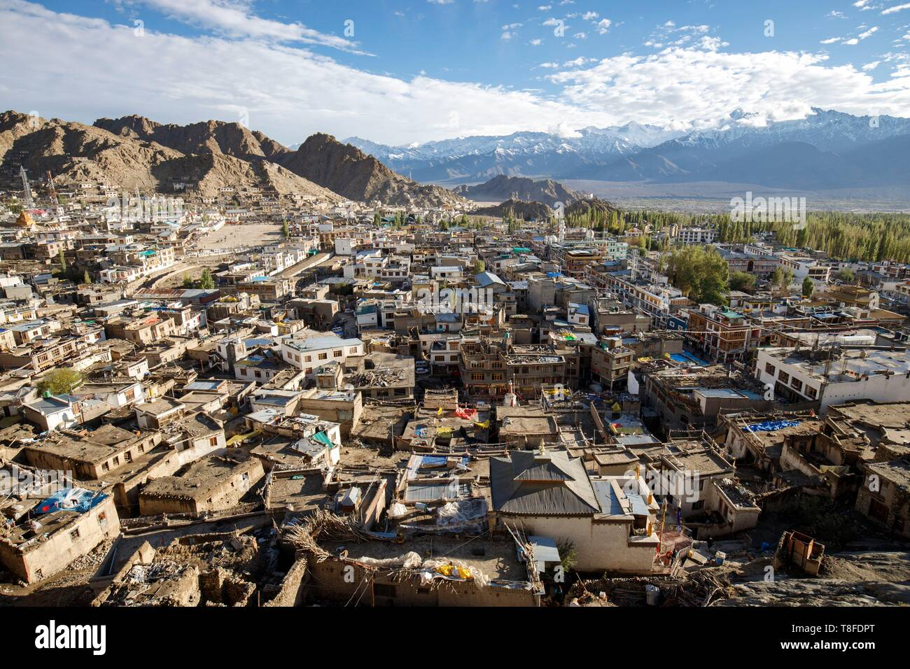 India, State of Jammu and Kashmir, Himalaya, Ladakh, Indus Valley, Leh (3500 m), general view of the old city from the Palais Royal - Stock Image