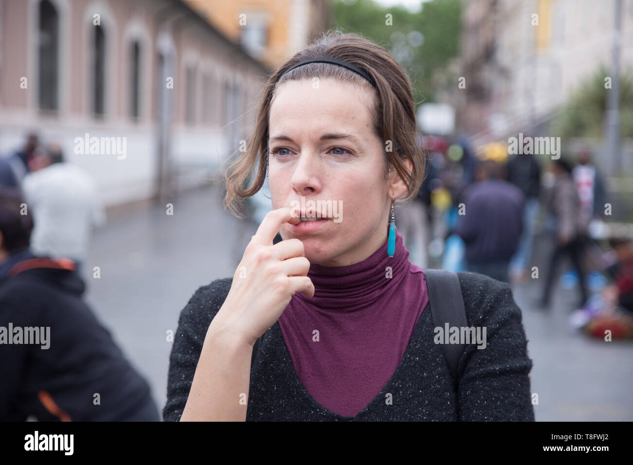 Roma, Italy. 11th May, 2019. An italian volunteer A project organized by the Eco dalle Città association with the sponsorship of the I municipality to the new Esquilino market in Rome Credit: Matteo Nardone/Pacific Press/Alamy Live News - Stock Image