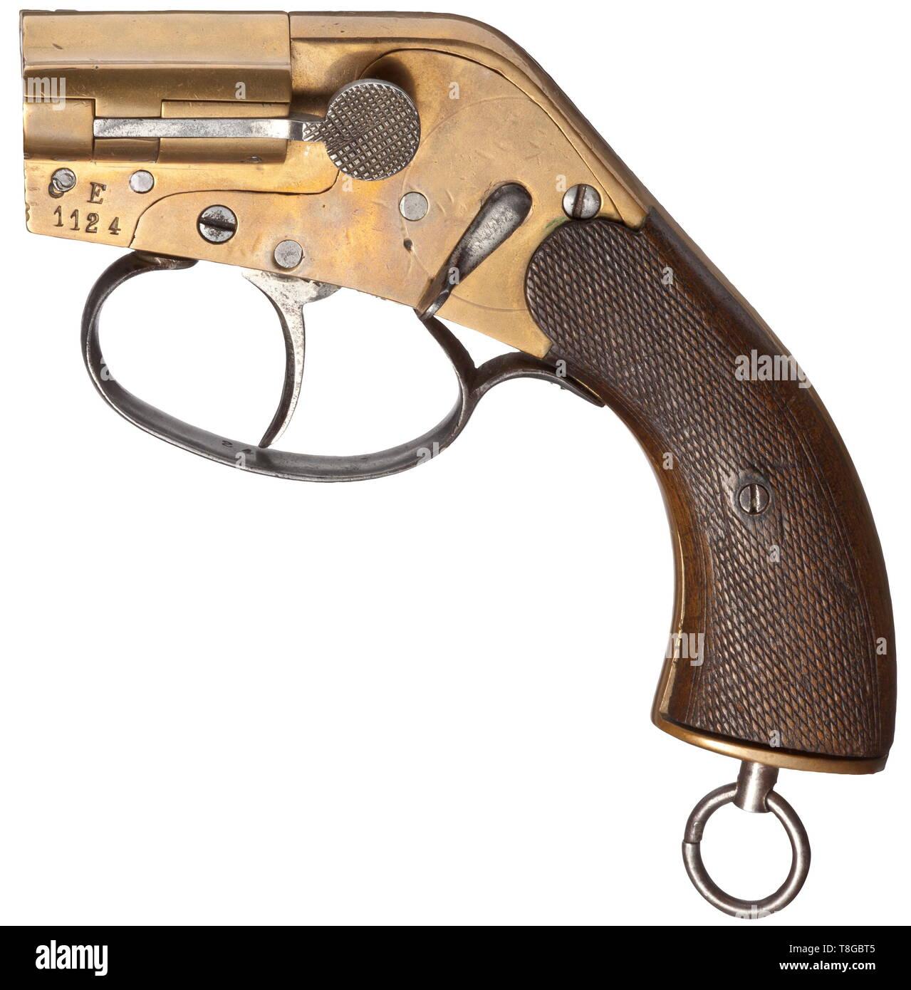 Flare Pistol Stock Photos & Flare Pistol Stock Images - Alamy