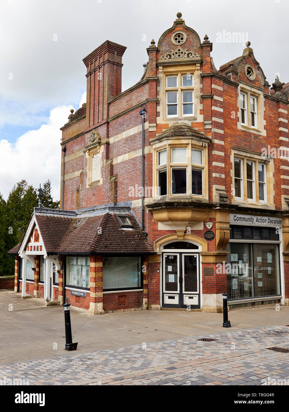 Building used as The Tambury Gazette in the hit-series After Life, starring Ricky Gervais. Old Hemel. - Stock Image
