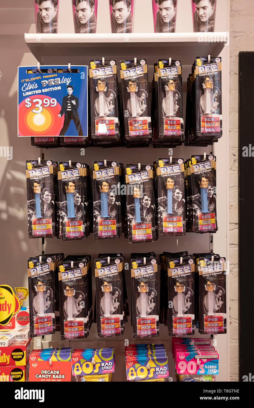 ELVIS PRESLEY Pez dispensers of sale at It'sugar, a candy by the pound chain store. In Greenwich Village, New York City. Stock Photo