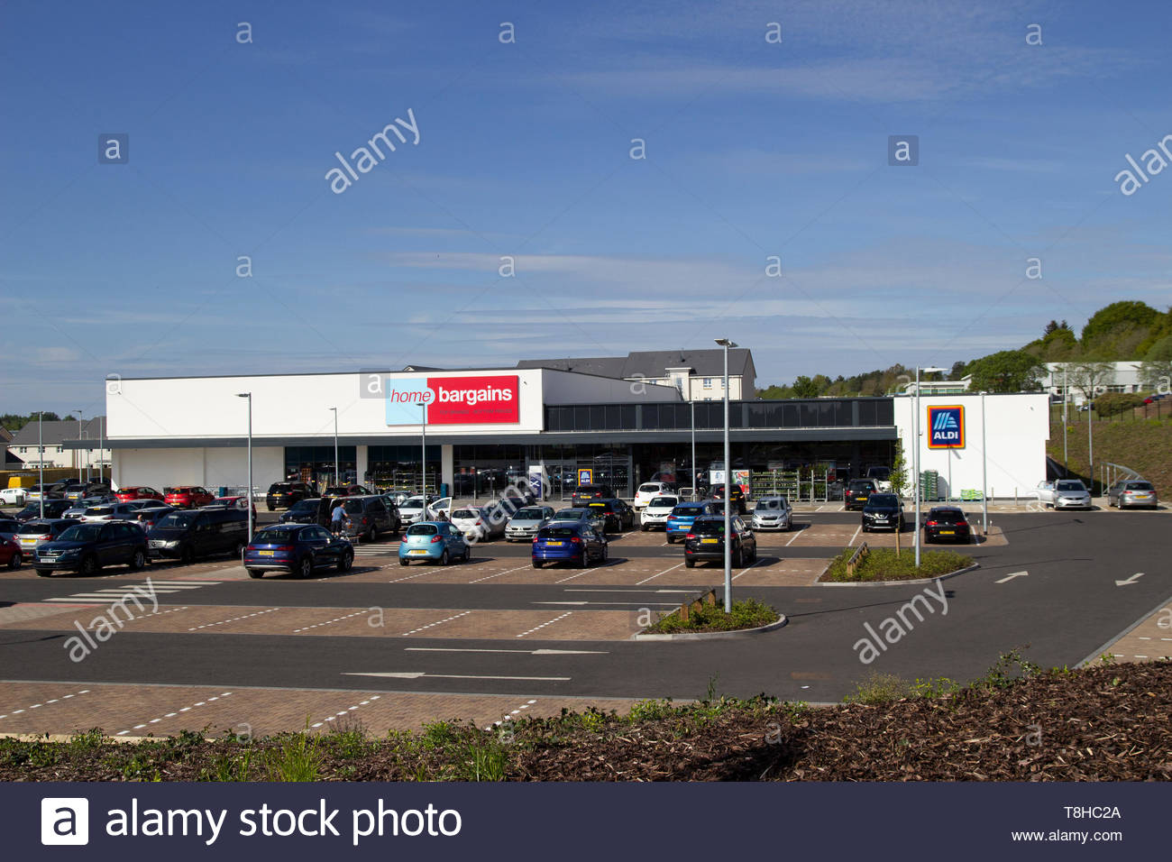 Home Bargains and Aldi stores on the old Rolls-Royce site in East Kilbride Stock Photo