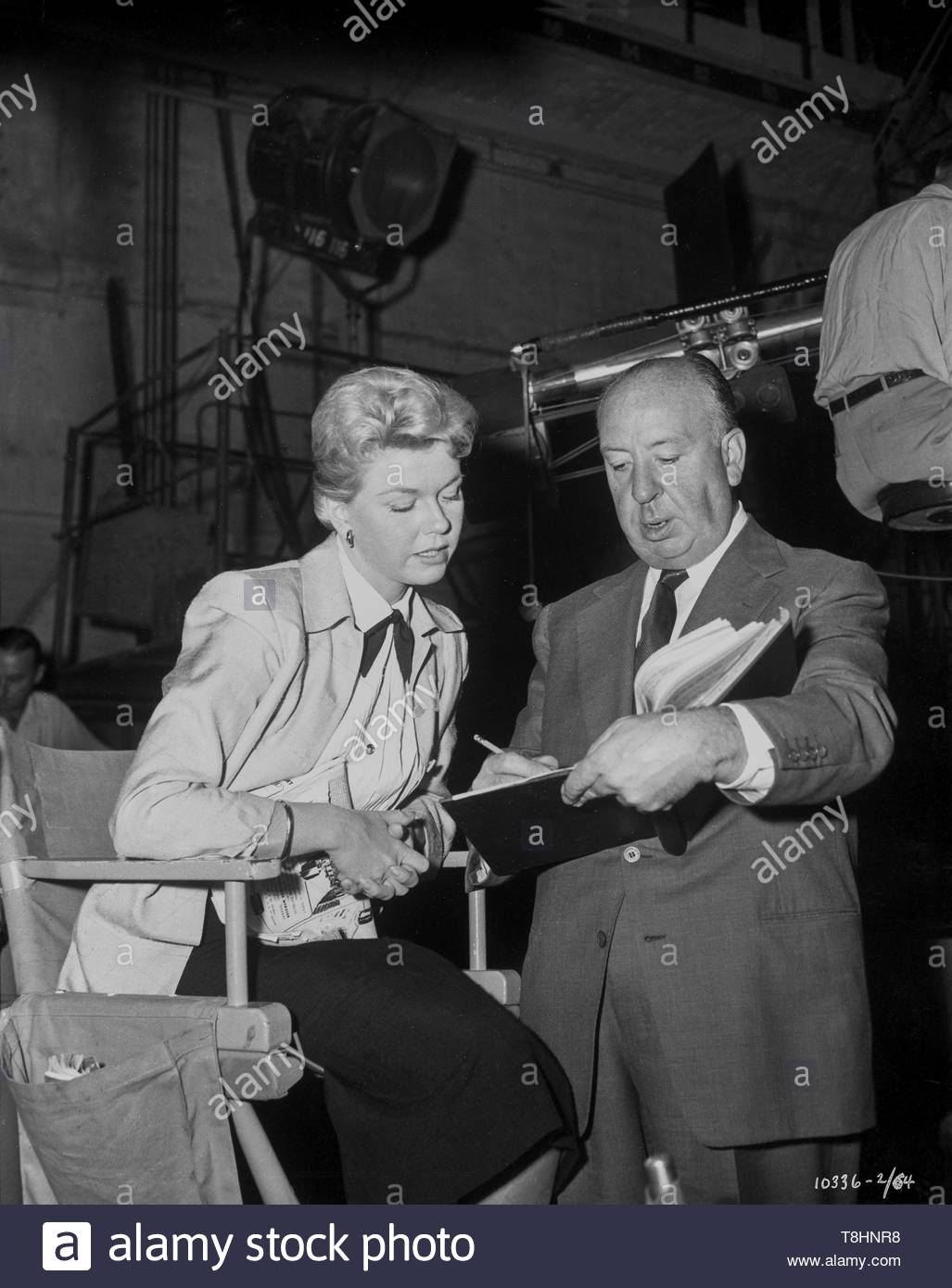 1956 The Man Who Knew Too Much on set with Doris Day and Alfred Hitchcock Credit: MSNGlobe/MediaPunch - Stock Image