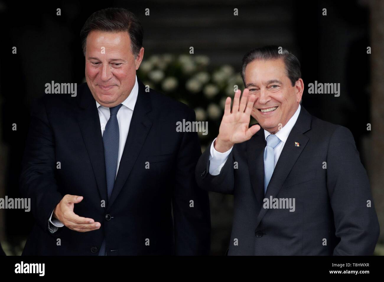 Panama's President Juan Carlos Varela (L) greets with the elect President Laurentino Cortizo (R) after a meeting of command handover at the Presidential Palace, in Panama City, Panama, on 13 May 2019. EFE/Bienvenido Velasco - Stock Image