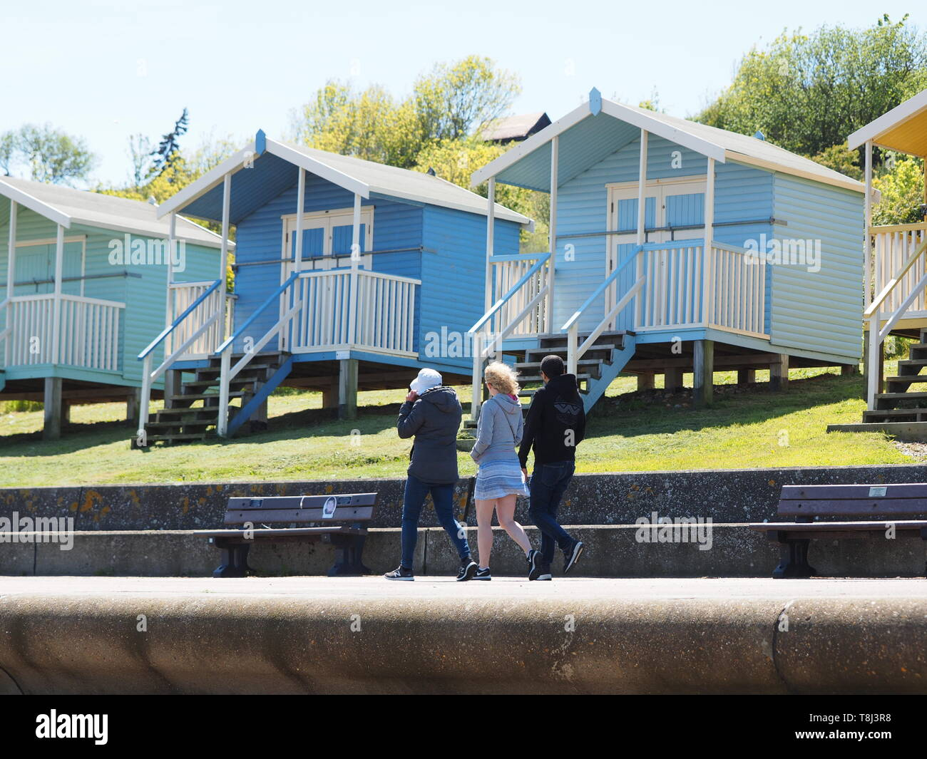 Minster on Sea, Kent, UK. 14th May, 2019. UK Weather: a sunny day in Minster on Sea, Kent. Credit: James Bell/Alamy Live News Stock Photo