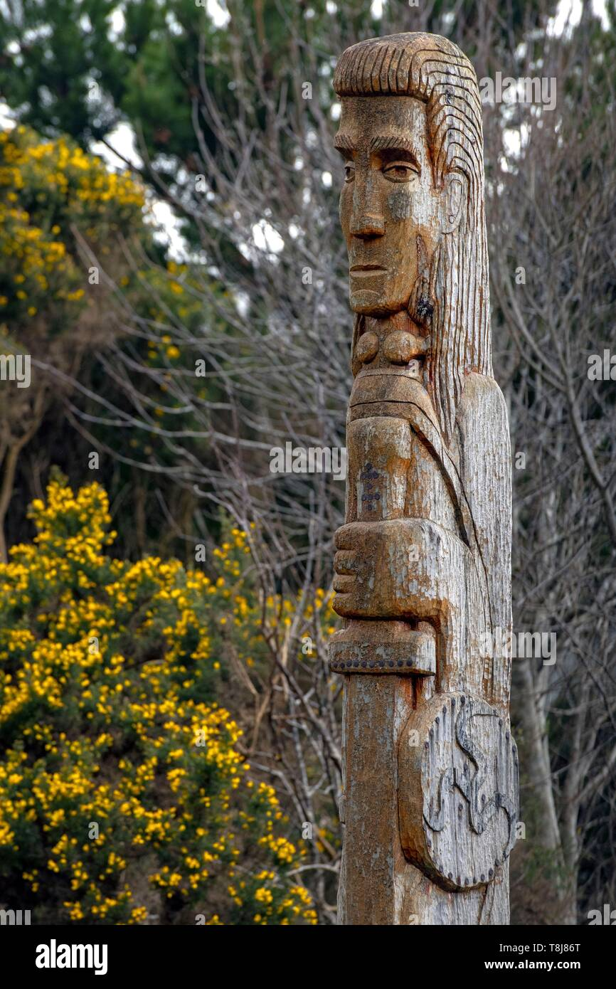Ireland, County Donegal, Glenveagh National Park, Dunlewy, celtic totem - Stock Image