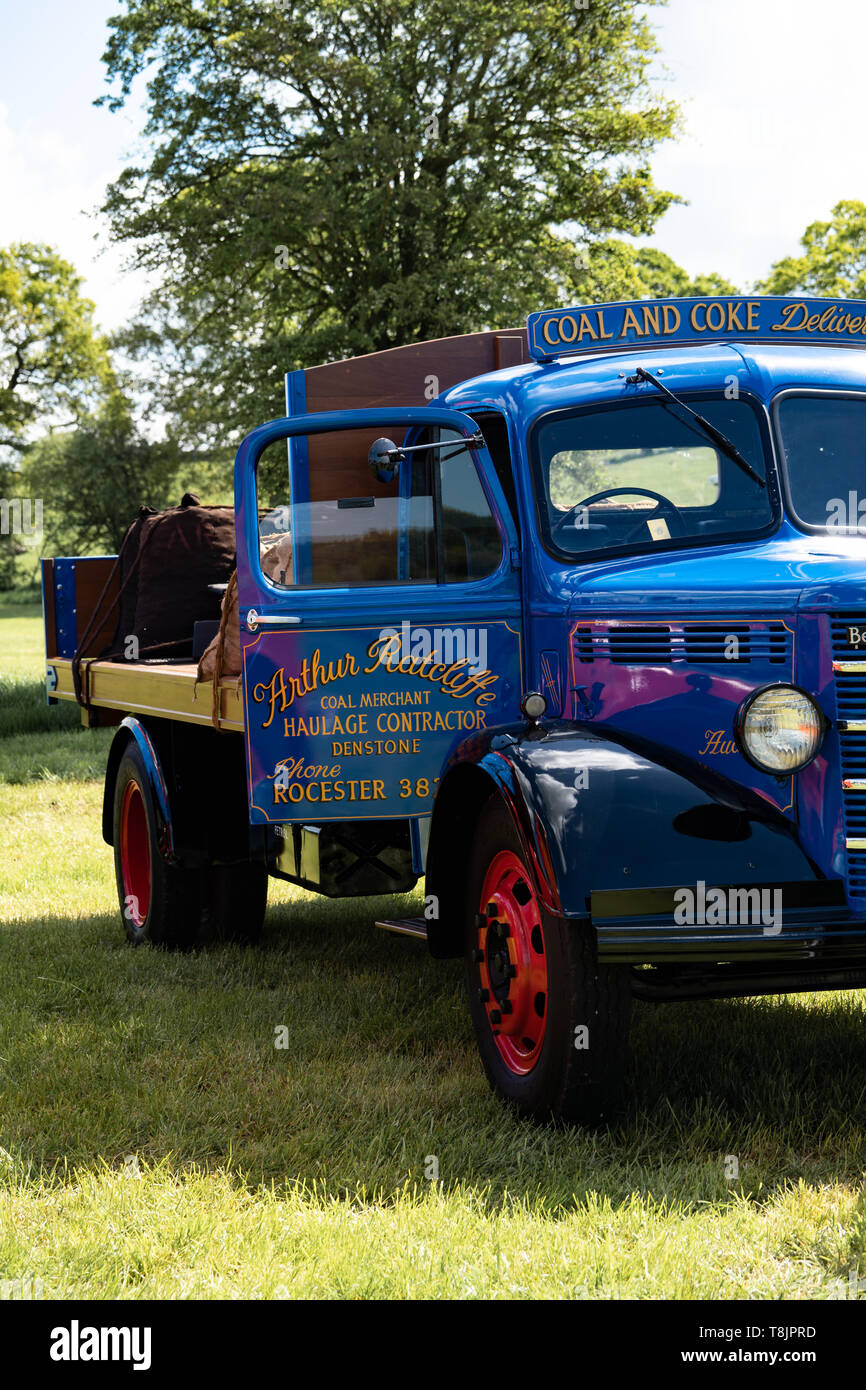 Bedford O Type 1951 flat-bed coal delivery truck, blue, UK - Stock Image
