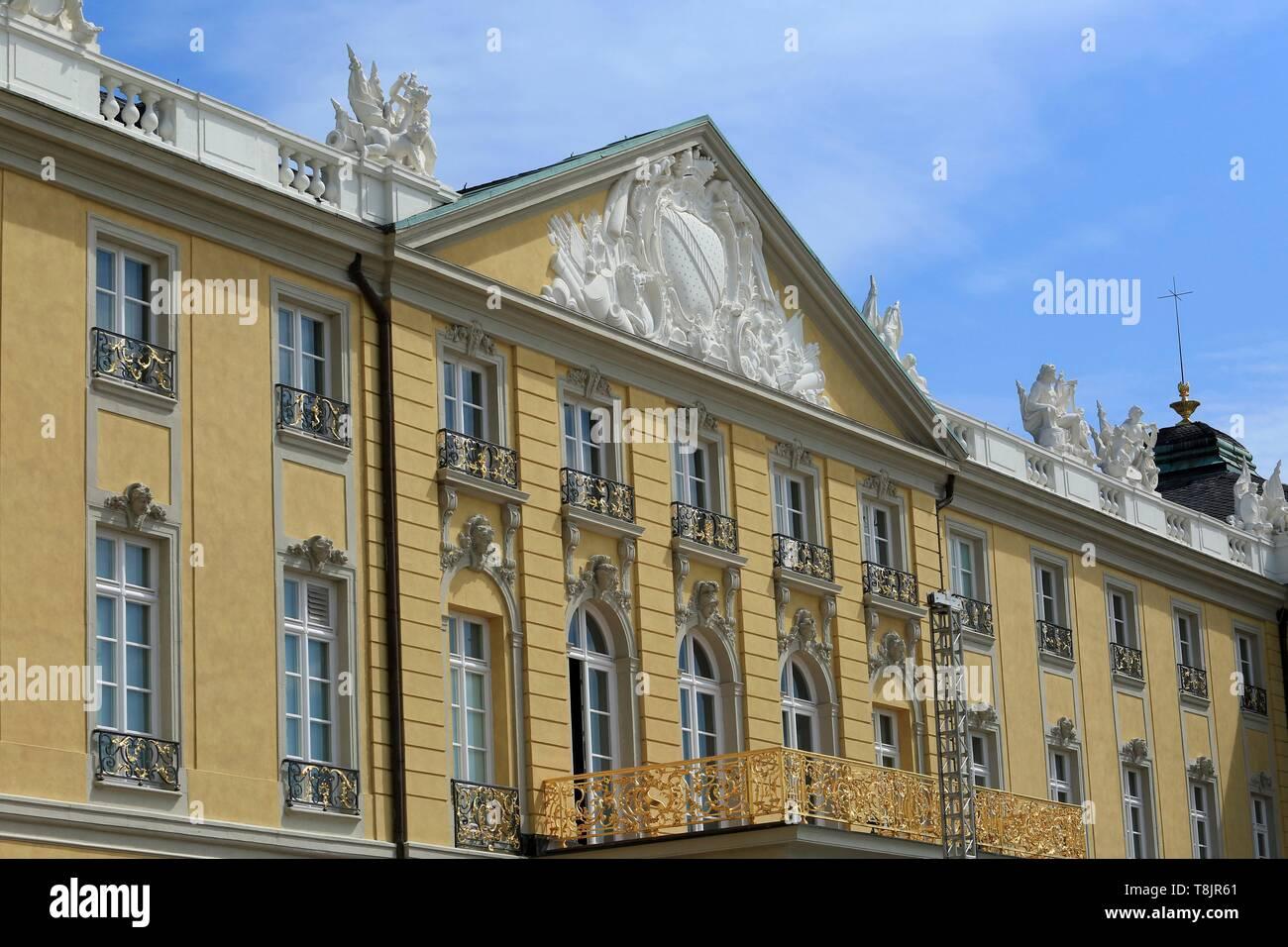 Germany, Baden Wurttemberg, Karlsruhe, Karlsruhe Castle Fronton - Stock Image