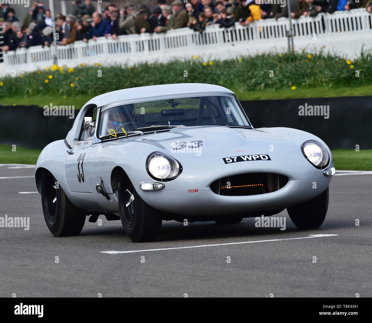Jon Minshaw, Phil Kean, Jaguar E-Type semi-lightweight, Graham Hill Trophy, Closed cockpit GT cars, Prototype cars, Spirit of the RAC TT Races 1960-19 - Stock Image