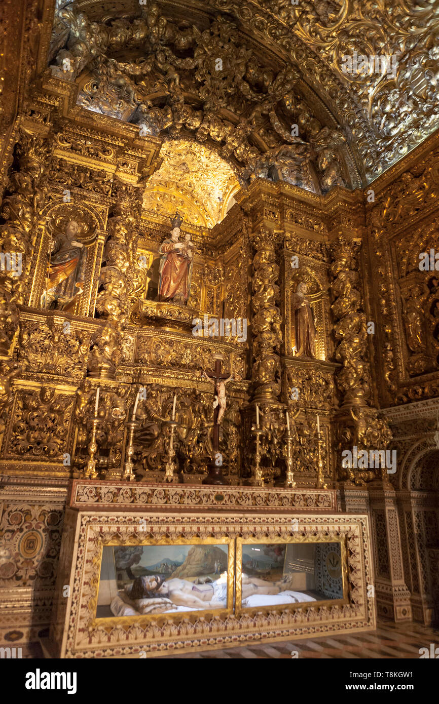 The Chapel of Our Lady of the Doctrine, Igreja de São Roque, Lisbon, Portugal: kitsch, glitz and bling - Stock Image