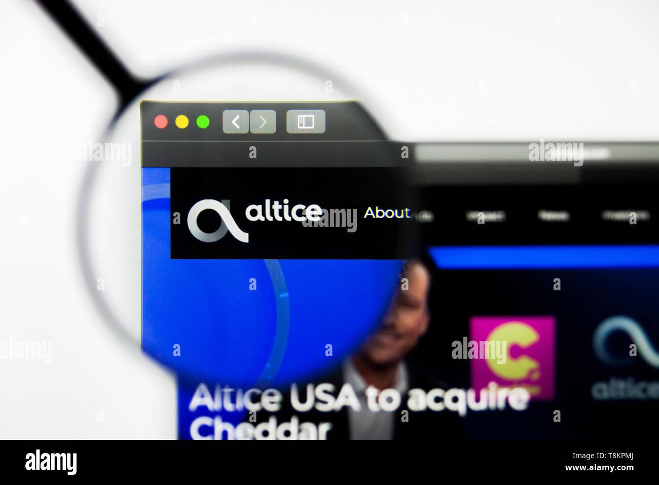 Richmond, Virginia, USA - 8 May 2019: Illustrative Editorial of Altice USA Inc website homepage. Altice USA Inc logo visible on screen. Stock Photo