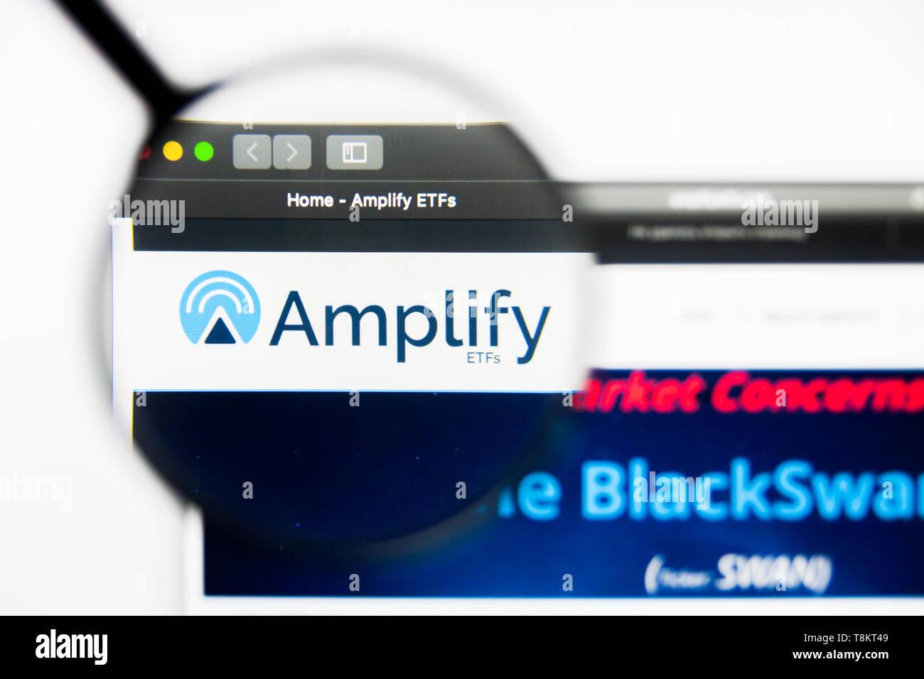 Richmond, Virginia, USA - 9 May 2019: Illustrative Editorial of Amplify Online Retail ETF website homepage. Amplify Online Retail ETF logo visible on  Stock Photo