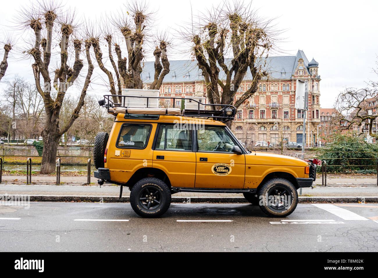 """Land Rover Freelander 27/"""" Camel Trophy Tire Cover"""