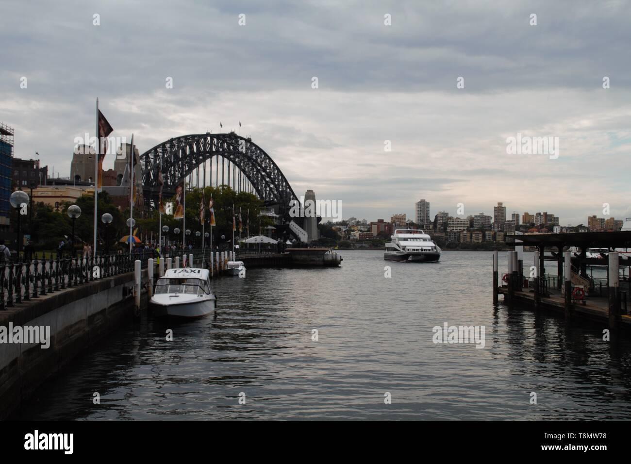 Panorama view of the Sydney harbour bridge - Stock Image
