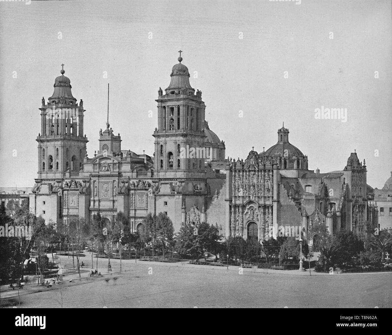 """'The Cathedral, City of Mexico', c1897. Built from 1573 to 1813, on the site of the Templo Mayor, a former sacred Aztec city with original designs by Claudio de Arciniega.  From """"A Tour Through the New World America"""", by Prof. Geo. R. Cromwell. [C. N. Greig & Co., London, c1897] - Stock Image"""