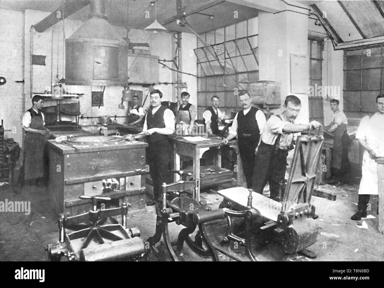 'Dalziel Foundry Limited. - Earl Street Premises. Moulding and Casting Plant, and Staff', 1909. Creator: Fradelle & Young. - Stock Image